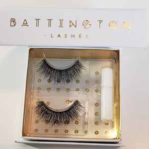 NWT Battington Harlow 3D Lashes w/ Glue